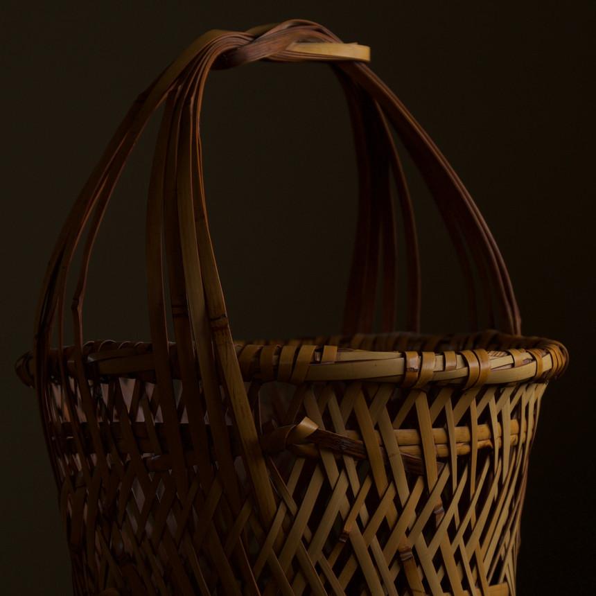 Iizuka Kunseki flower basket 07.jpg