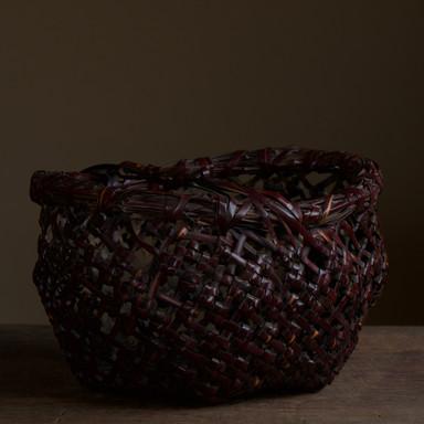 Iida Seiseki 'eboshi' hat-shaped basket.jpg