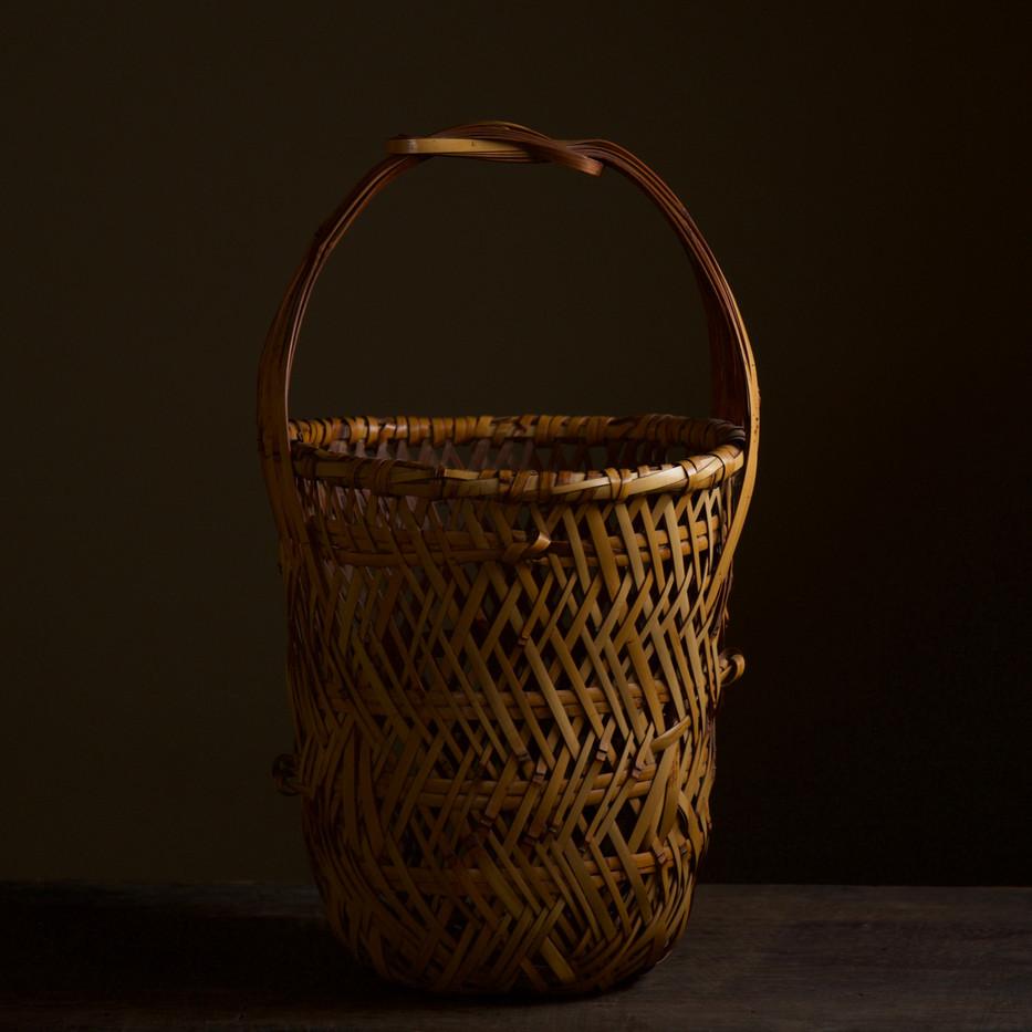 Iizuka Kunseki flower basket 01.jpg