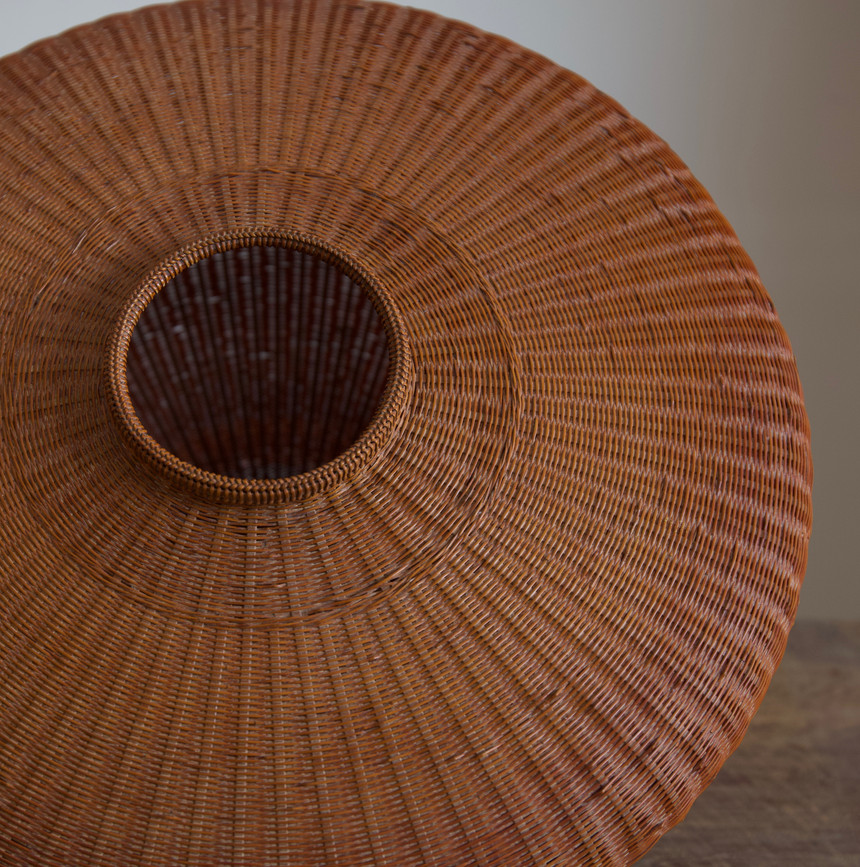 Tanabe Chikuunsai II tsubo shaped flower basket 02.jpg