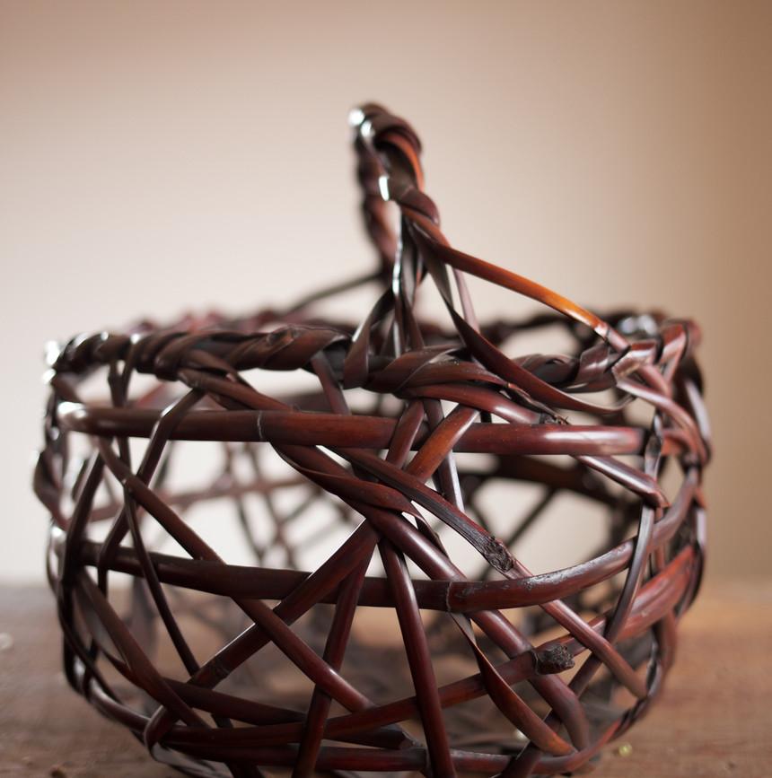 Mountain Road Bamboo Basket by Chikuunsai II 02.jpg