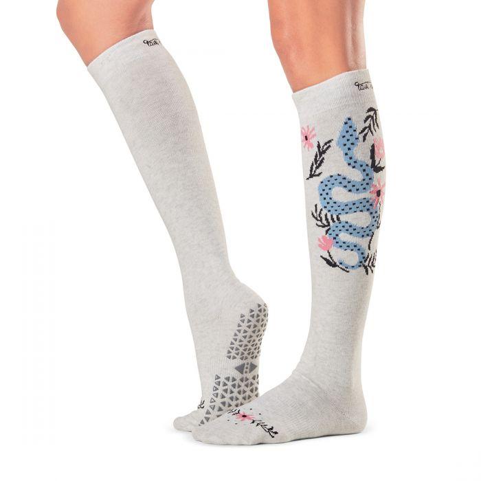 Tavi Noir Jane Grip Knee High Sockscks_grip_jane_striking