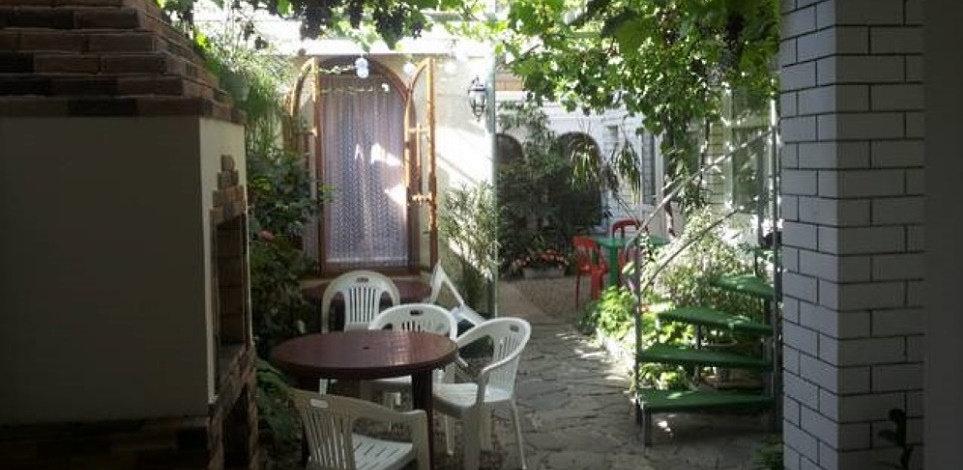Геленджик частный сектор «Уютный дворик на Толстого»