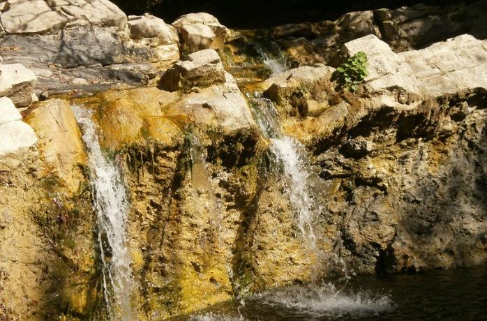 vodopady-zhane.jpg