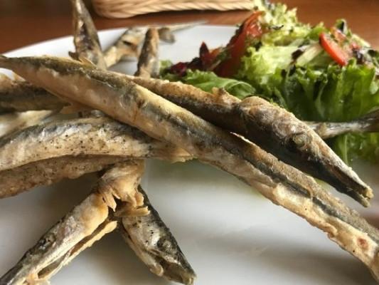 рыбное блюдо из меню ресторана