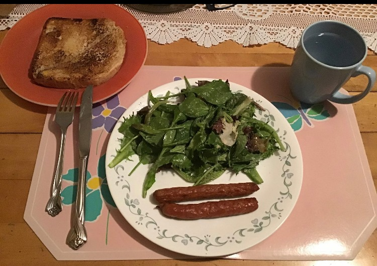 Saucisses avec verdure