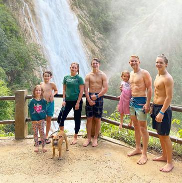 Greg & the kids at El Chifon, Chiapas, Mexico