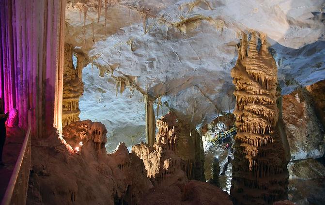 Garcia Caves.jpg