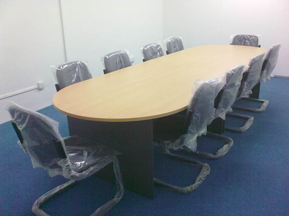 Meeting Table 10 Pax