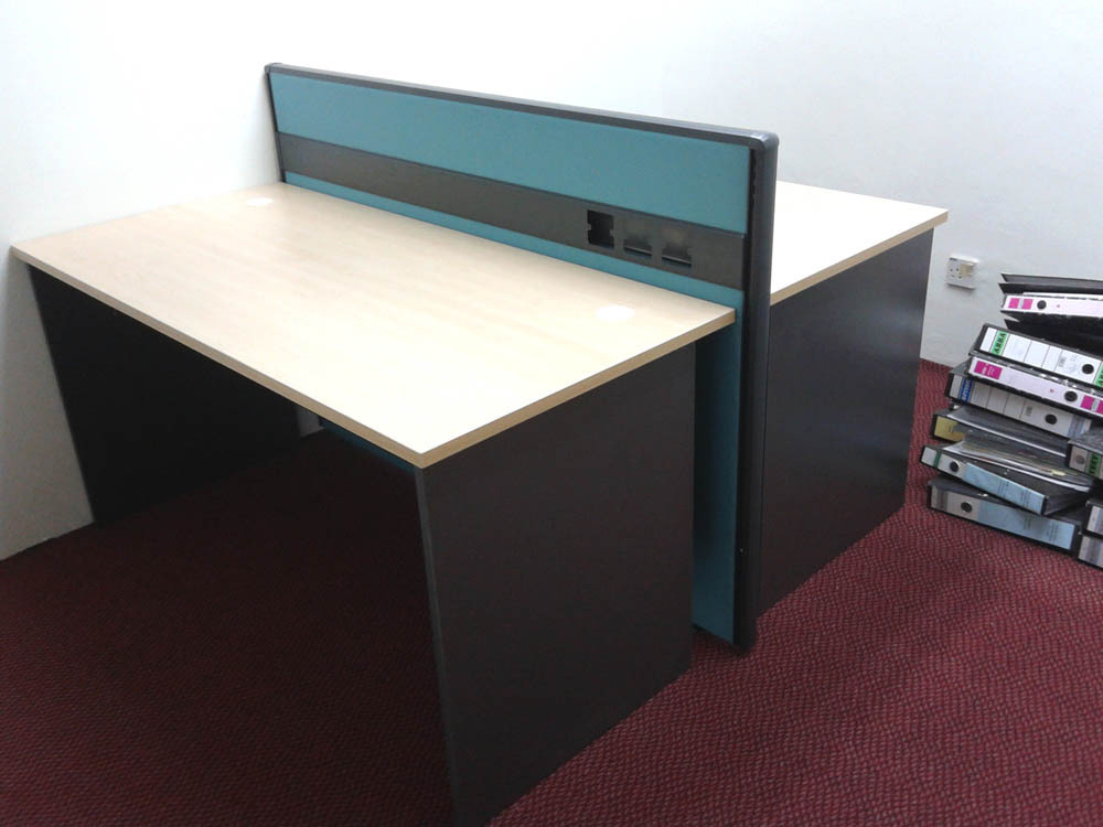 Office Table cw Partition
