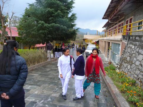 Nepal Eleve IDE  CHU.JPG