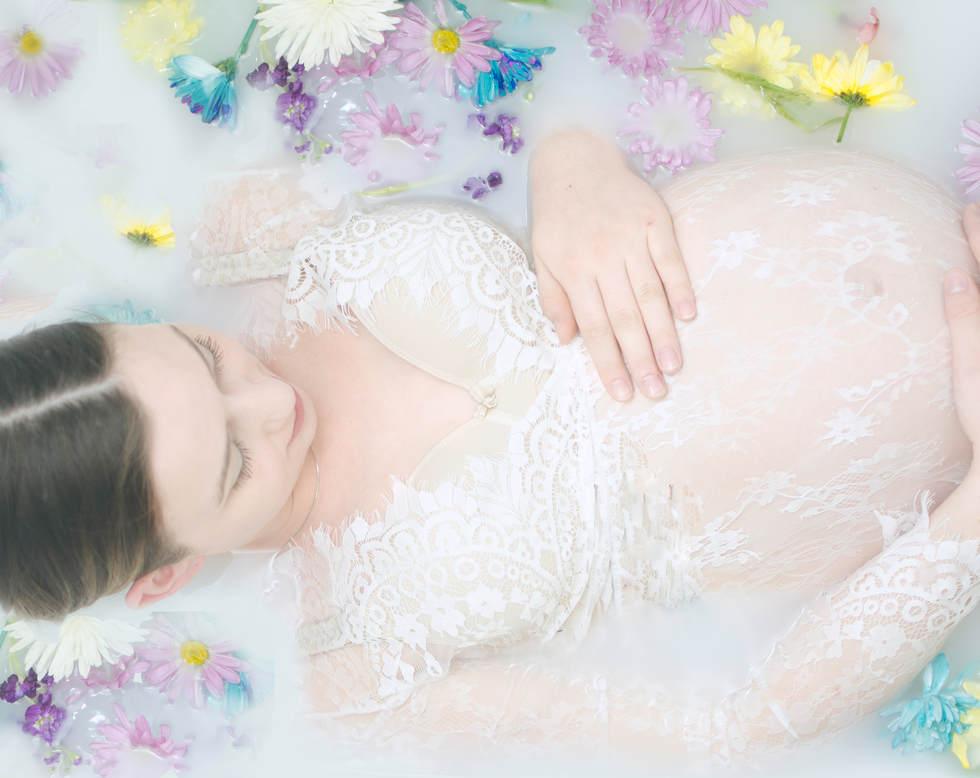 Milk bath maternity session - Erika Michelle Photography