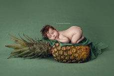 newborn-pineapple-photography-ottawa