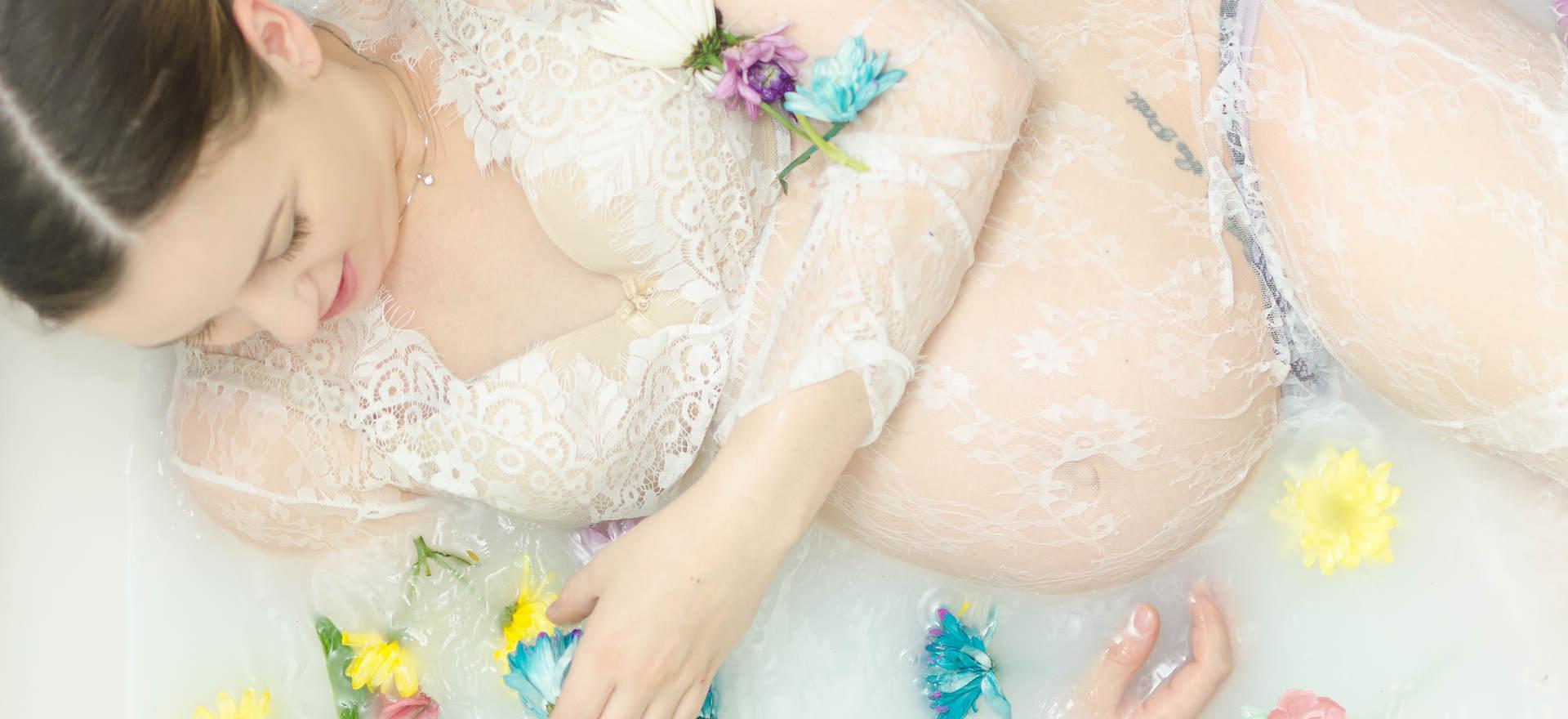 Milk bath session - Erika Michelle Photography