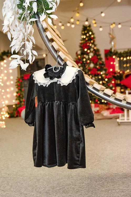 Veliūro suknelė su apykakle