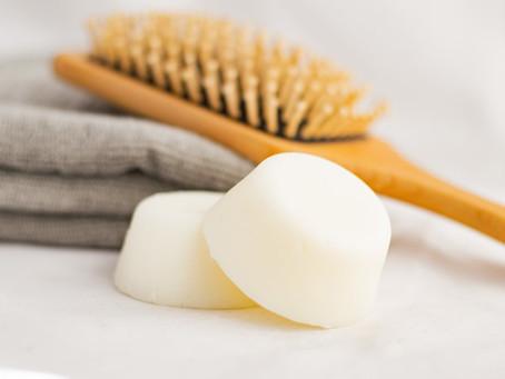Acondicionador sólido para cabello seco y que mejora el alisado