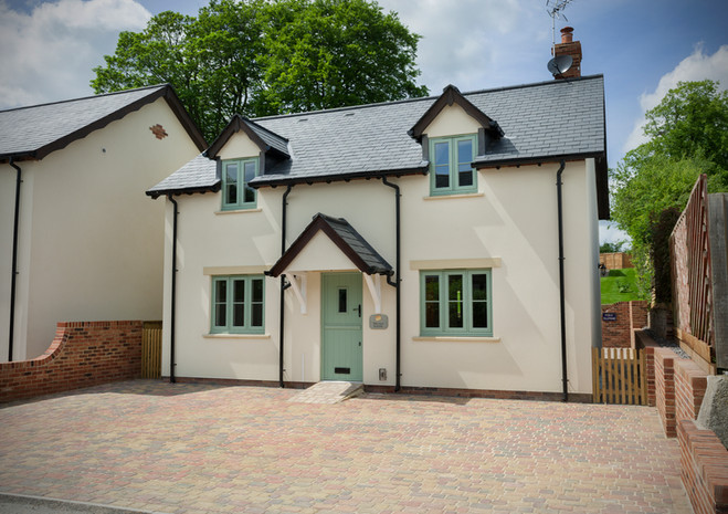 Flush Sash House in Cotswold Green