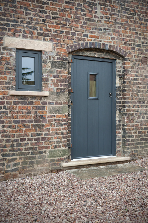Solidor Flint 2 in Anthracite Grey
