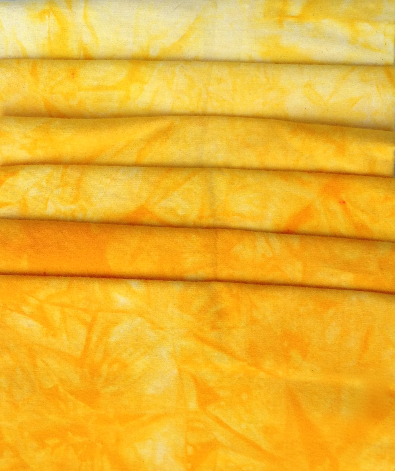 Golden Yellow to Lemon