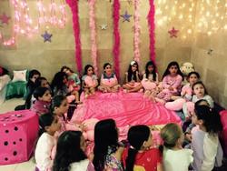 מסיבת פיג׳מות לבנות