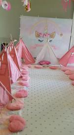 מסיבת פיג׳מות עם אוהלים