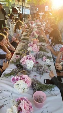 סדנת שזירת פרחים לבת מצווה