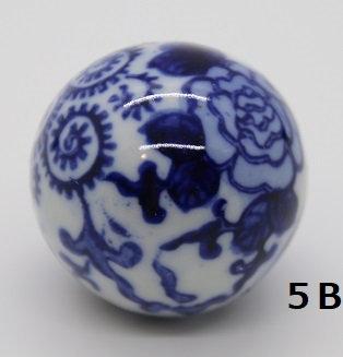 "Ukidama ""Japan Blue"" piccola N° 5 B - diametro 3 cm"