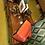 Thumbnail: Coiffeuse foncée et son miroir rétroviseur