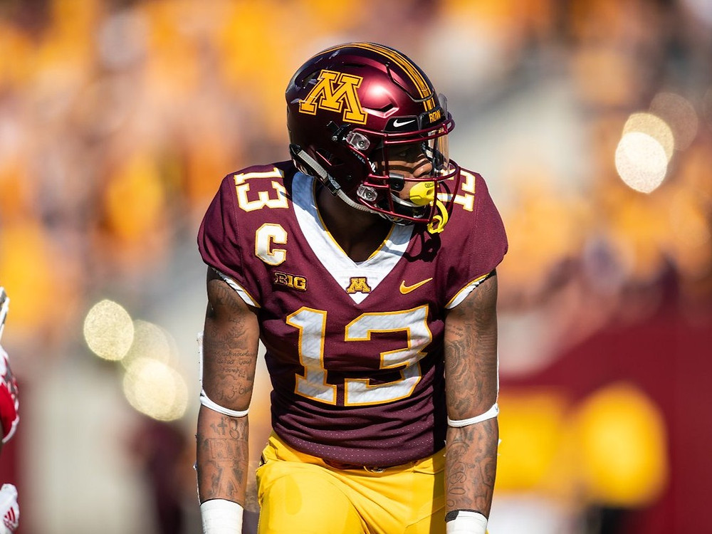 Rashod Bateman of the Minnesota Golden Gophers lines up at the line of scrimmage during a college football game in 2020.