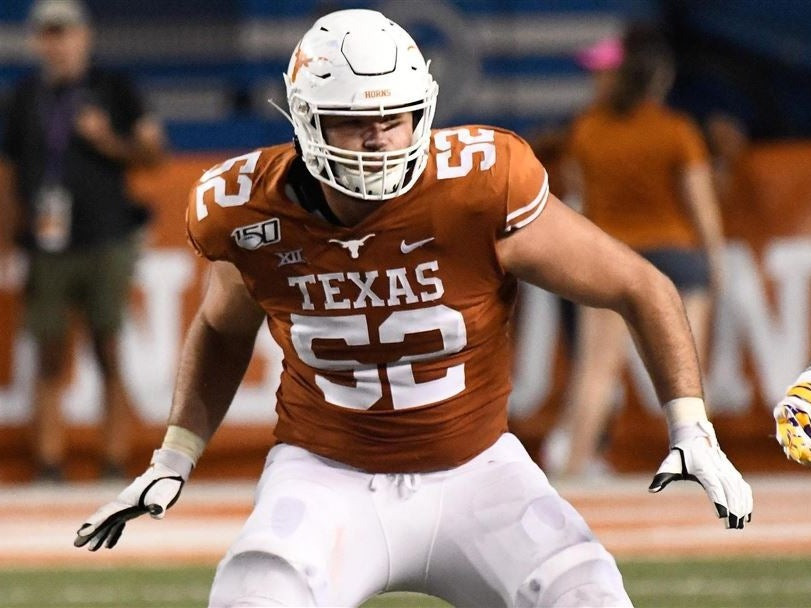 Texas Longhorns left tackle prospect Samuel Cosmi playing in a College Football game. Cosmi will enter the 2021 NFL Draft in April and is a coveted draft prospect. In this article we look at Cosmi's draft profile, his strengths and weaknesses and assess where he might be drafted in the 2021 NFL Draft