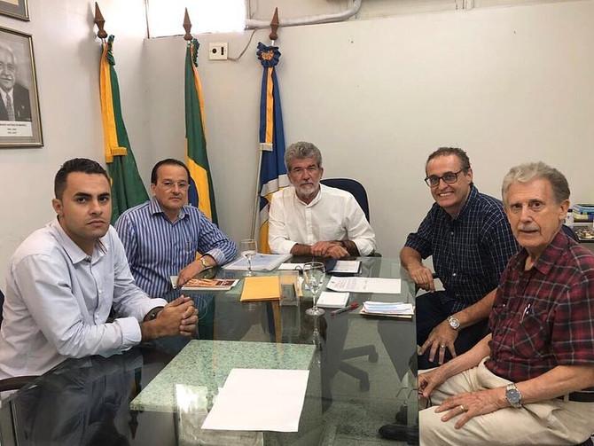 PREFEITO E VICE-PREFEITO DE JUAZEIRO DO NORTE RECEBEM PASTORES SOBRE IMPACTO BÍBLICO