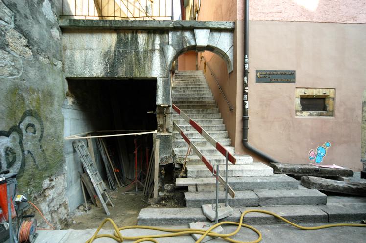 WC-Anlage-Treppe NEU