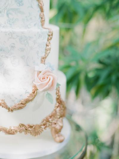 024Fine-art-film-wedding-photography-lon