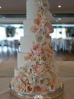 Old Thorns Wedding cake