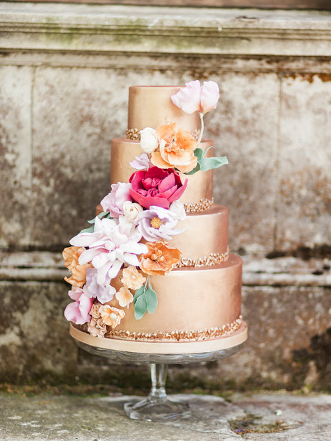 Bronze colour pop wedding cake