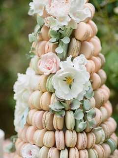 Macrons and sugar flowers