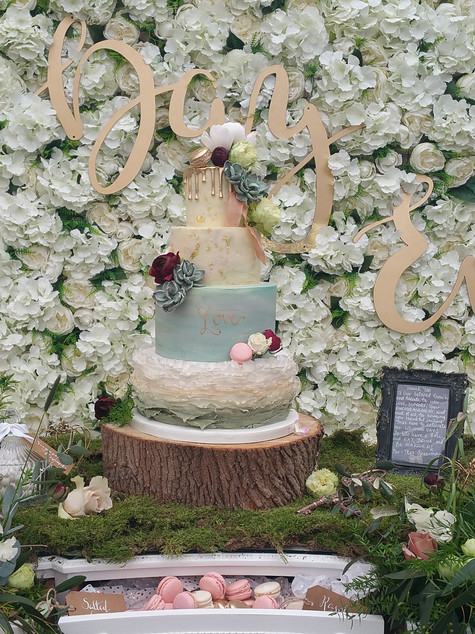 4 tier botanical wedding cake