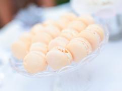 Wedding vanilla macarons