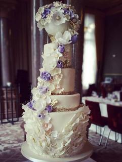 Rennaisance hotel London wedding cake