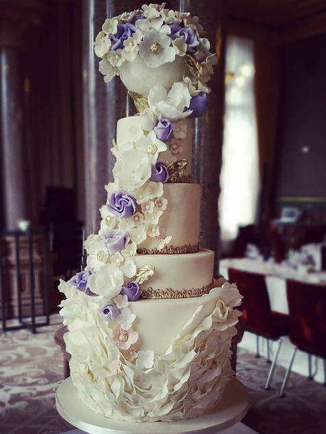 Rennaisance hotel London wedding cake