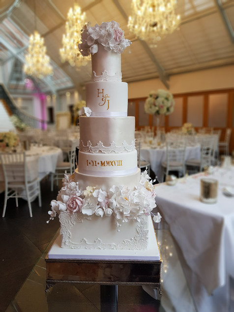 Large showstopper wedding cake