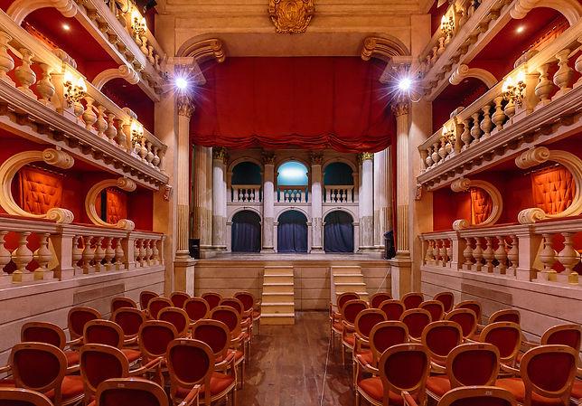 Dovizi Theatre