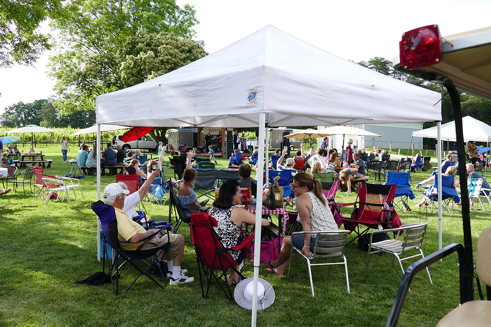 Westbend Winery & Brewery lawn