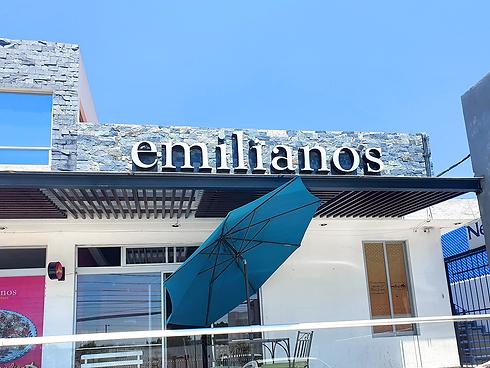 Emiliano's Fachada.png