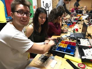 Wspólnie budujemy i programujemy robota