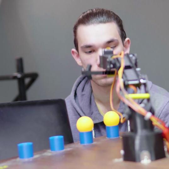 instruktor robotyki