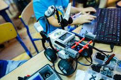 Robot z wyrzutniami | Robotyka