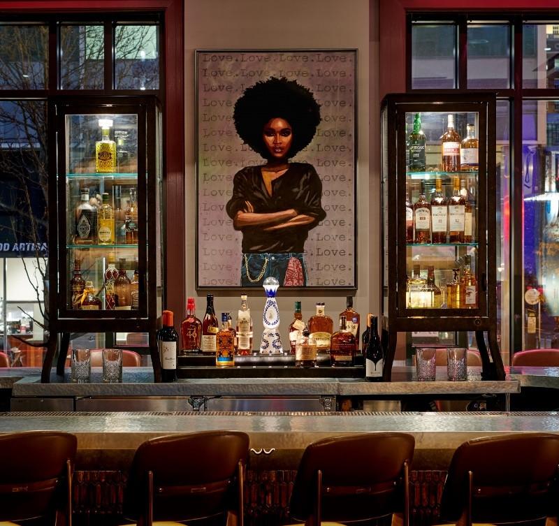 Private Bar Detail