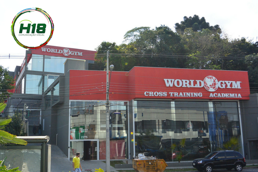 Fachada World Gym