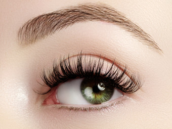 How to Get Thicker Eyebrows & Eyelashes
